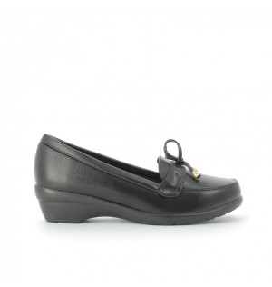 Mocasines para mujer marca Via Spring color negro